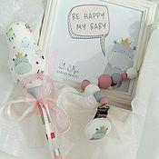Подарки к праздникам ручной работы. Ярмарка Мастеров - ручная работа Подарочный набор для новорожденного. Handmade.