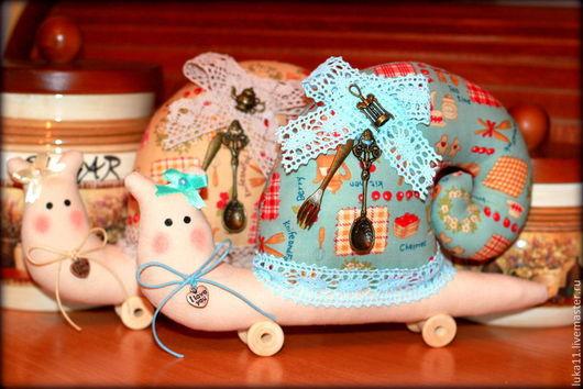 Куклы Тильды ручной работы. Ярмарка Мастеров - ручная работа. Купить Улитка Тильда, Улиточки -помощницы на кухне). Handmade. Тильда
