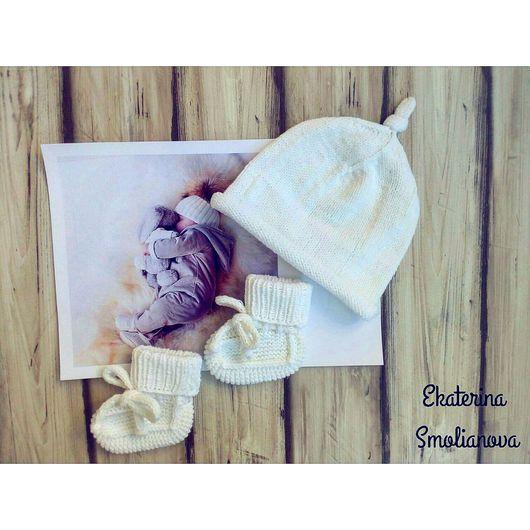 Для новорожденных, ручной работы. Ярмарка Мастеров - ручная работа. Купить Комплект шапочка и пинетки. Handmade. На выписку