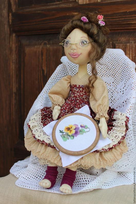 Коллекционные куклы ручной работы. Ярмарка Мастеров - ручная работа. Купить Интерьерная текстильная кукла Рукодельница. Handmade. Бежевый, хлопок