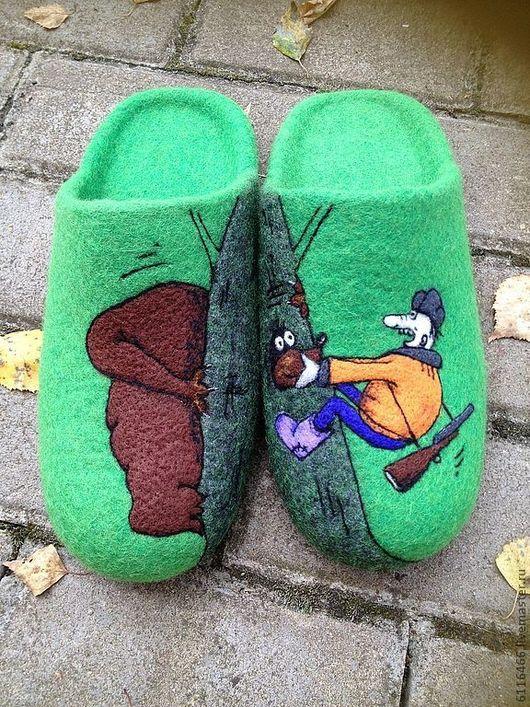 """Обувь ручной работы. Ярмарка Мастеров - ручная работа. Купить домашние валяные тапочки-шлепки из нат.шерсти """"Охотничьи истории-2"""". Handmade."""