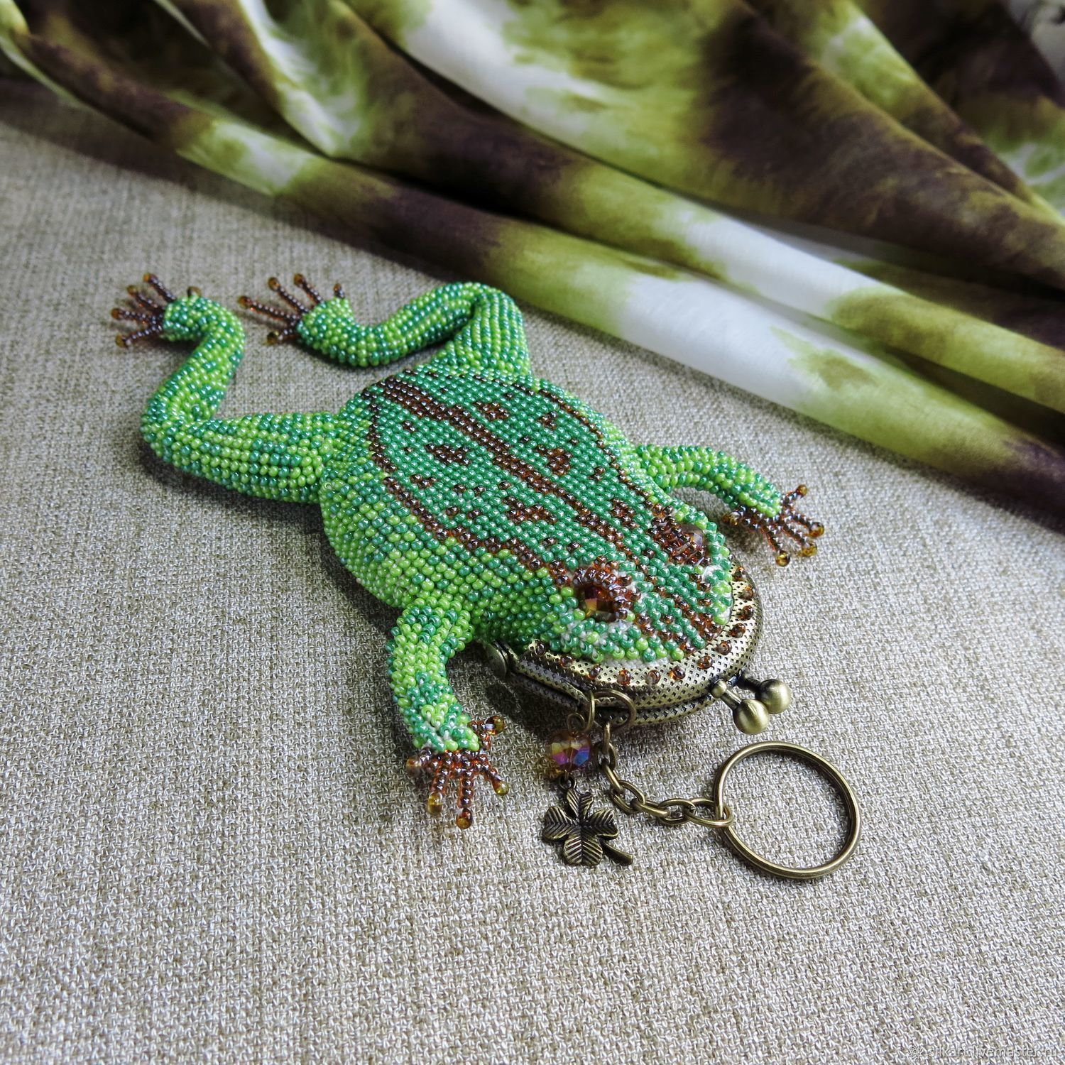 Coin holders: Green frog made of beads. Keychain coin, Coin boxes, Zheleznodorozhny,  Фото №1
