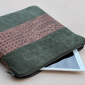 Сумки и аксессуары handmade. Livemaster - original item Case for laptop and documents from Khaki suede and leather Croco. Handmade.