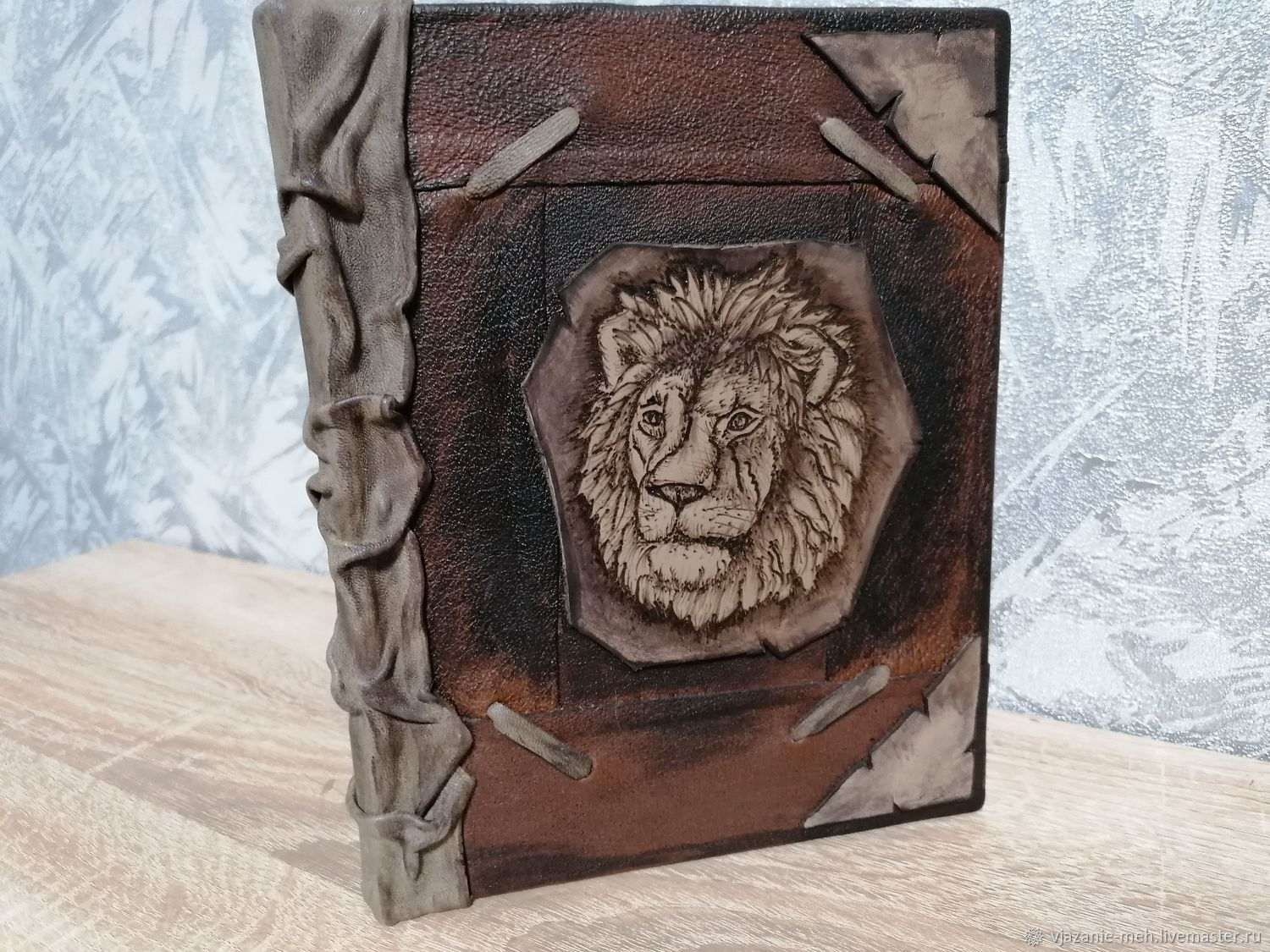 Leather diary, 'the lion', Gift editions, Barnaul,  Фото №1