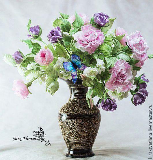Интерьерный букет шелковых цветов `Милениум`. Собран из нескольких видов роз и веточек жасмина.  Шелк. Ручная работа. Японские ткани.