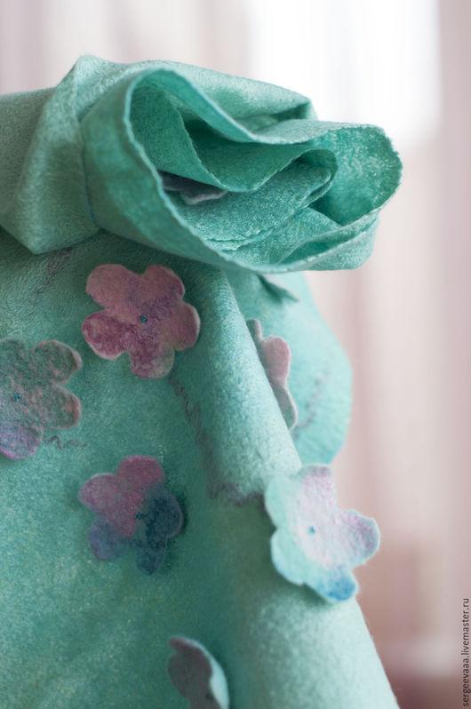 Шарфы и шарфики ручной работы. Ярмарка Мастеров - ручная работа. Купить Шарф валяный шелковый мятный бирюзовый с цветами. Handmade.
