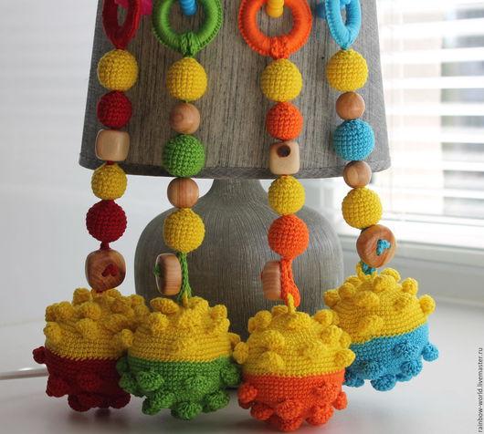 """Развивающие игрушки ручной работы. Ярмарка Мастеров - ручная работа. Купить Игрушка- подвеска """"Яркие мячики"""" (грызунок + тактильный мяч). Handmade."""