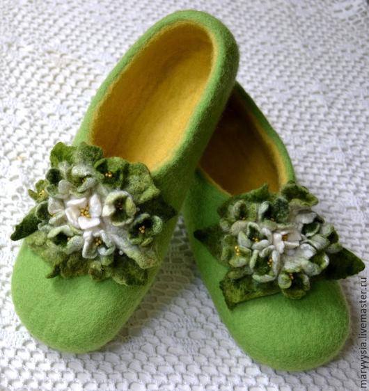 """Обувь ручной работы. Ярмарка Мастеров - ручная работа. Купить тапочки из шерсти """"жасмин"""". Handmade. Тапочки ручной работы"""