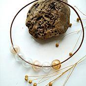 Украшения ручной работы. Ярмарка Мастеров - ручная работа Колье из стеклянных бусин и кожаного шнура - туманное поле на закате. Handmade.