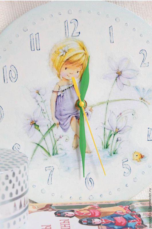 """Часы для дома ручной работы. Ярмарка Мастеров - ручная работа. Купить Часы для детской """"Жозефина"""". Декупаж.. Handmade. Голубой"""