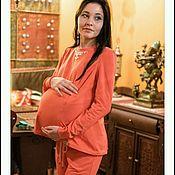 Одежда ручной работы. Ярмарка Мастеров - ручная работа Костюм корал стразы для беременных кормящих мам трикотаж для прогулок. Handmade.