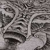 Одежда ручной работы. Ярмарка Мастеров - ручная работа Футболка со стилизованным животным, как тату. Handmade.