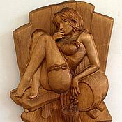 Панно ручной работы. Ярмарка Мастеров - ручная работа Панно резное: Девушка с бочкой. Handmade.