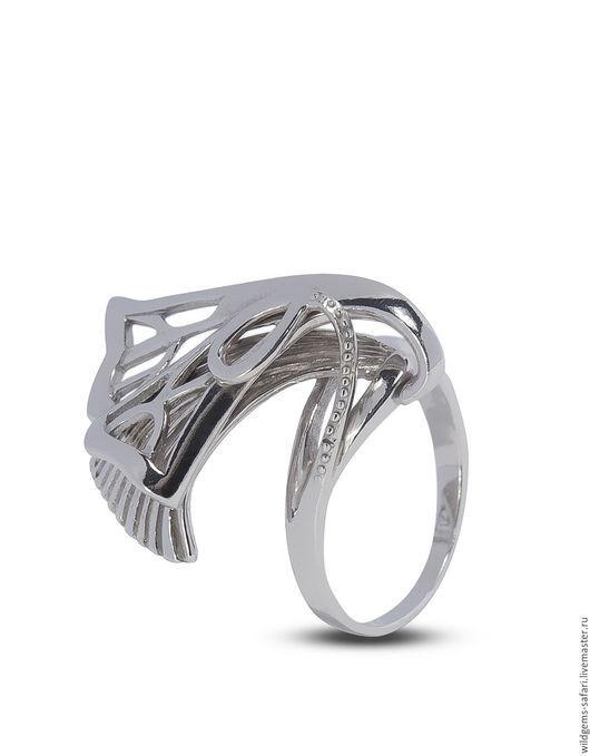 Серебряное кольцо `Модерн` ручной работы, серебро 925, родирование. Размеры: 16 - 19. Вес кольца от 4,5 до 5,5 гр. Ширина 23 мм. Толщина шинки 1,1 мм. Изящное кольцо ручной работы.