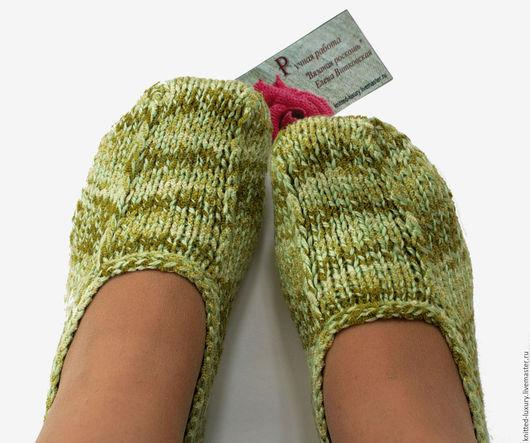 """Обувь ручной работы. Ярмарка Мастеров - ручная работа. Купить Тапочки следки вязаные """"Изумруд"""". Handmade. Носки, красивый подарок"""