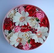 Цветы и флористика ручной работы. Ярмарка Мастеров - ручная работа Букет из конфет в шляпной коробке. Handmade.
