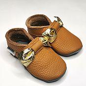 Одежда детская handmade. Livemaster - original item Golden Bow Baby Shoes, Brown Moccasins, Ebooba, Leather Baby Slippers. Handmade.