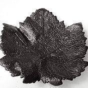 Vintage Souvenirs handmade. Livemaster - original item Rare Maple Leaf Ashtray antique 1958 Cast iron Kasli Casting. Handmade.