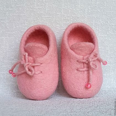 Обувь ручной работы. Ярмарка Мастеров - ручная работа Пинетки шерстяные валяные, нежно- розовые – для малышки Софи.. Handmade.