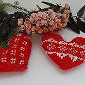 Подарки к праздникам ручной работы. Ярмарка Мастеров - ручная работа Вязаные сердечки с жаккардовым узором. Handmade.