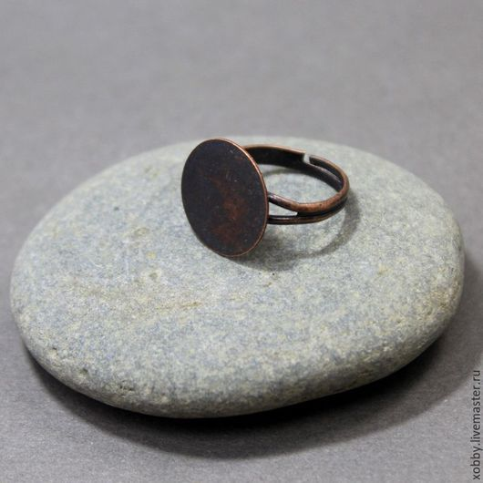 Основа для кольца Медь с круглой платформой 12мм Безразмерная латунная основа кольца  для сборки колец. Основа для кольца имеет плоскую поверхность, диаметром 12 мм