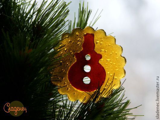 СЛАДЕНЕЦ новогодний снеговик. (авторские карамельные леденцы) На фото заливка карамели в 2 цвета. Цена 80р\шт.