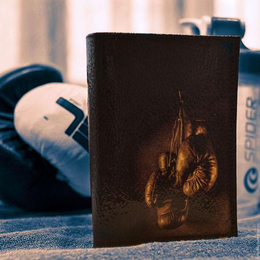 """Подарки для мужчин, ручной работы. Ярмарка Мастеров - ручная работа. Купить Кожаная обложка для паспорта """"Бокс"""".. Handmade. Черный, бокс"""