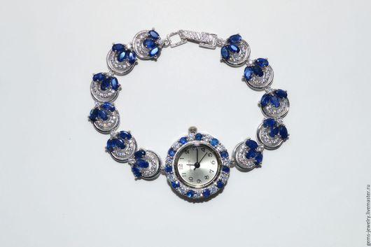 Часы ручной работы. Ярмарка Мастеров - ручная работа. Купить Ювелирные часы с натуральными васильковыми сапфирами. Handmade. Тёмно-синий