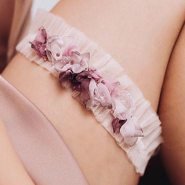 Свадебный салон ручной работы. Ярмарка Мастеров - ручная работа Нежно-розовая подвязка из фатина, подвязка для невесты. Handmade.