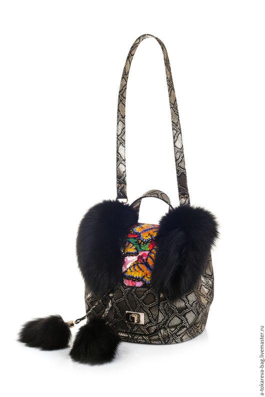 Женские сумки ручной работы. Ярмарка Мастеров - ручная работа. Купить Эксклюзивная авторская сумка c мехом вышитая бисером « butterfly». Handmade.
