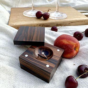 Свадебный салон ручной работы. Ярмарка Мастеров - ручная работа Шкатулка для помолвочного кольца из массива Эбена. Handmade.