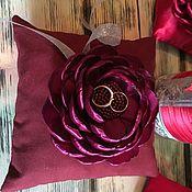 Подушечки ручной работы. Ярмарка Мастеров - ручная работа Подушка-цветок для колец. Handmade.