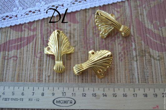 Ножка, золото, высота 45 мм, дли одной стороны 20 мм. цена 50 руб.