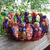 Куклы и игрушки ручной работы. Ярмарка Мастеров - ручная работа Текстильная корзинка из кукол Веселый Хоровод. Handmade.