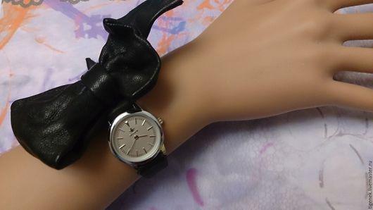 """Часы ручной работы. Ярмарка Мастеров - ручная работа. Купить Часы """"Полубант"""". Handmade. Черный, браслет из кожи"""
