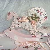 Для дома и интерьера ручной работы. Ярмарка Мастеров - ручная работа Лошадка-качалка деревянная декупаж розовая Нежность роз. Handmade.