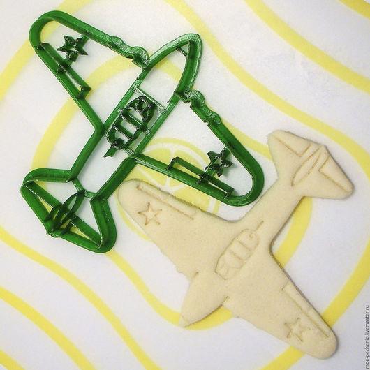 Самолет ИЛ-2 Вырубка-штамп для пряников, мастики, поделок из соленого теста. Образец оттиска на соленом тесте.