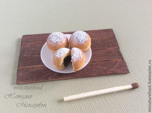Фото еды для кукол, пончики с шоколадной начинкой 1:6