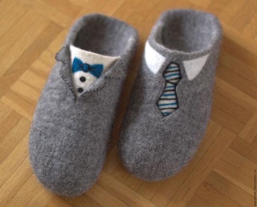 """Обувь ручной работы. Ярмарка Мастеров - ручная работа. Купить Тапочки мужские войлочные """"Джентльмен"""". Handmade. Серый, мужские тапочки"""
