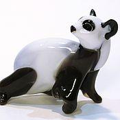 Подарки к праздникам ручной работы. Ярмарка Мастеров - ручная работа декоративная фигурка из цветного стекла панда Сюнмао. Handmade.