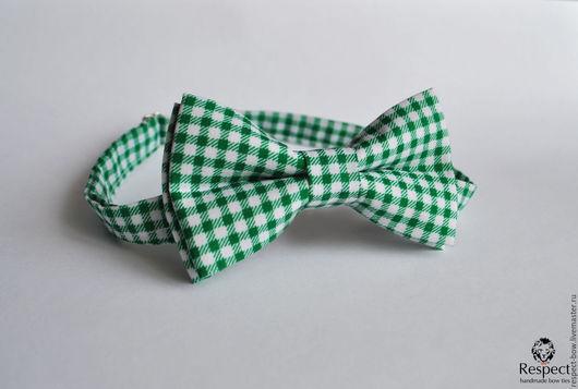 Галстуки, бабочки ручной работы. Ярмарка Мастеров - ручная работа. Купить Галстук бабочка Нюанс / бабочка-галстук зеленая в белую клетку, виши. Handmade.
