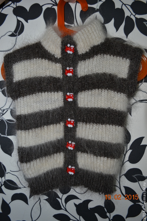 Одежда унисекс ручной работы. Ярмарка Мастеров - ручная работа. Купить Жилет вязанный пуховый детский  на пуговицах. Handmade.