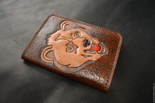 """Обложки ручной работы. Ярмарка Мастеров - ручная работа. Купить Обложка на паспорт """"Медведь"""". Натуральная кожа. Ручная работа. Handmade."""