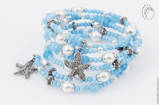 Мирабель-бижутерия. Браслет намотка на мемори проволоке, многорядный, голубой, морской, летний, морские звезды, под серебро, фото. Купить браслет в Москве. Mirabelle. Handmade. Blue multi-row bracelet