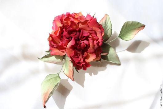 Броши ручной работы. Ярмарка Мастеров - ручная работа. Купить Роза из шелка Фея Миранда. Handmade. Бордовый, роза фея