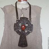Субкультуры ручной работы. Ярмарка Мастеров - ручная работа Кельтский крест из натуральной кожи с натуральным камнем. Handmade.