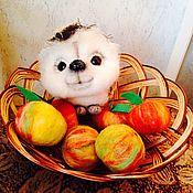 Куклы и игрушки ручной работы. Ярмарка Мастеров - ручная работа Ежик в корзинке с яблоками.. Handmade.