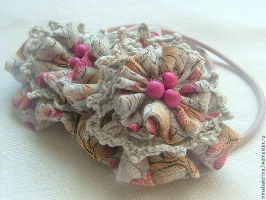 Бантики - резиночки для волос `Деревенское лето`. Резиночки сшитые из шляпной резинки и ситцевой ткани. Можно носить осенью!