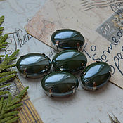 Материалы для творчества handmade. Livemaster - original item Mother of pearl rhinestone malachite 13h18 mm oval. Handmade.
