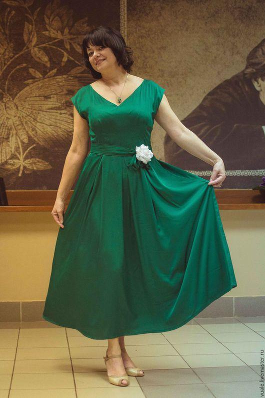 Платья ручной работы. Ярмарка Мастеров - ручная работа. Купить Платье на юбилей (Evening Dress). Handmade. Тёмно-зелёный